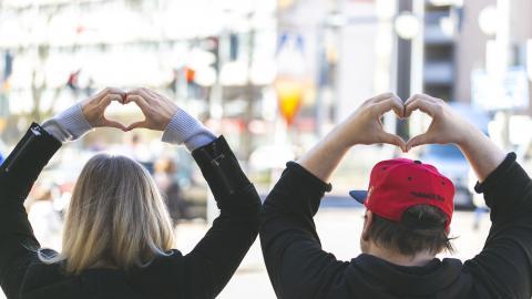 sydän kädet ihmiset