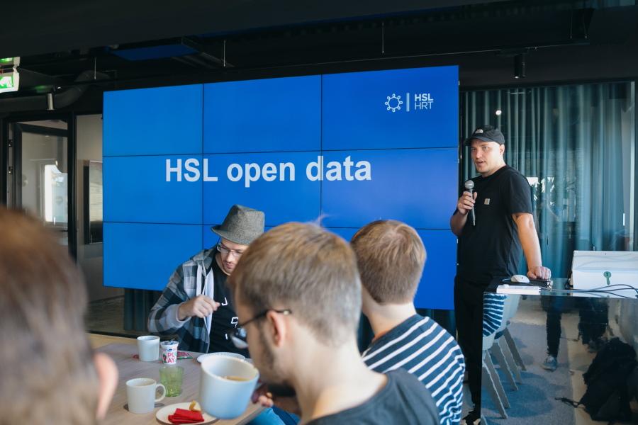 HSL:n Sami Räsänen presentoimassa avoimesta datasta