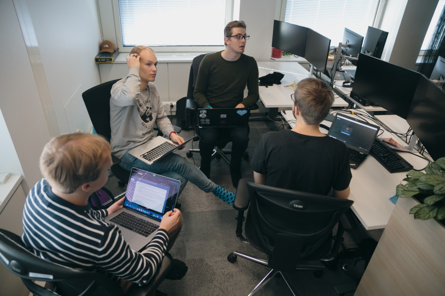 Lamia Flow hackathon: Team SysTik from Aalto University working on city bike application